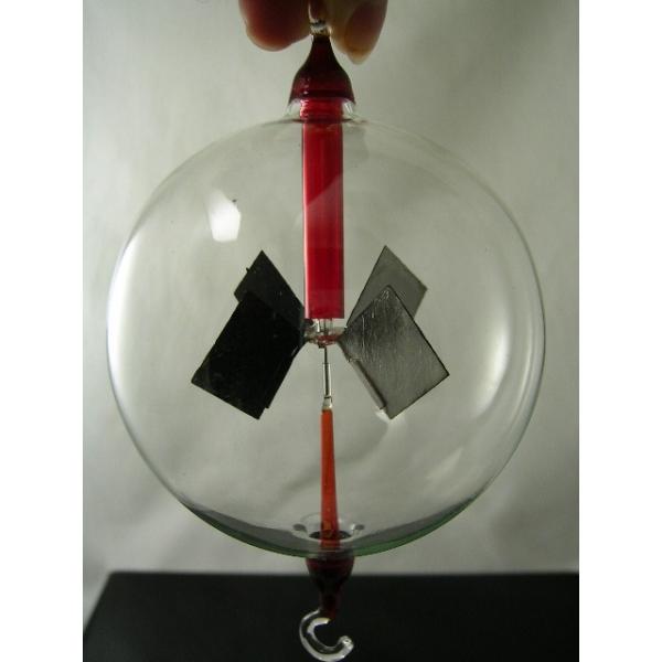 Lichtmühle - Radiometer - hängend rot