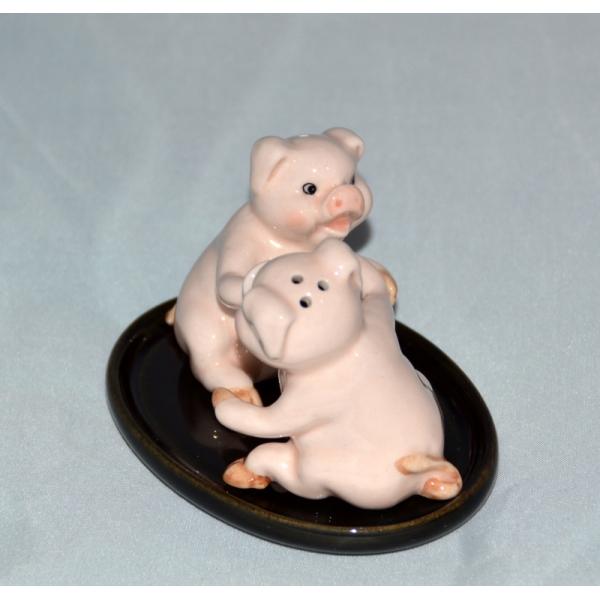 Salzstreuer und Pfefferstreuer Schweine