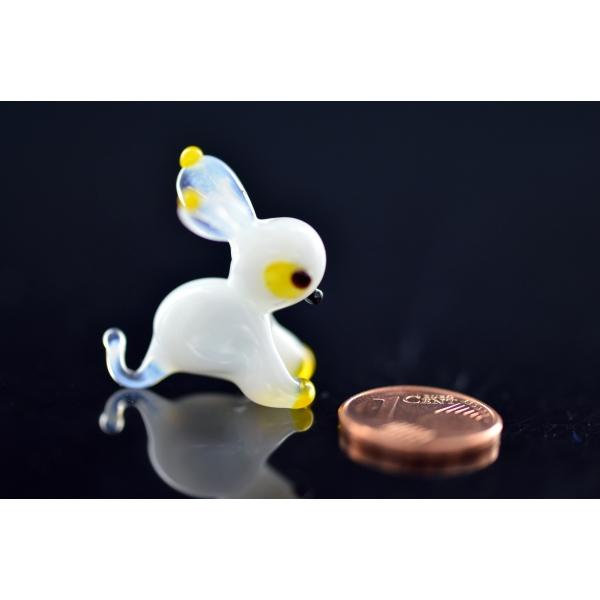Weißer Hase - Miniatur Glasfigur Weiß Gelb- Glastier