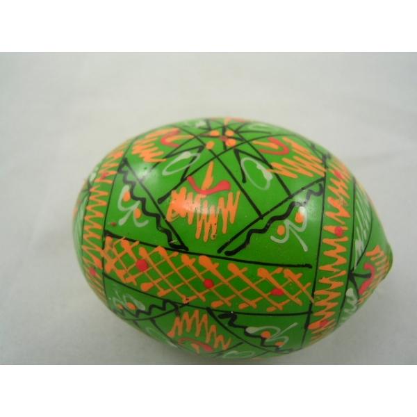 Osterei -Pysanka -aus Holz-farbe hellgr